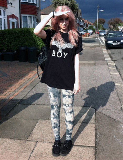 jeans leggings clothes indie grunge shirt shoes cool swag tumblr tumblr outfit tumblr girl tumblr clothes hipster t-shirt black boy london oversized