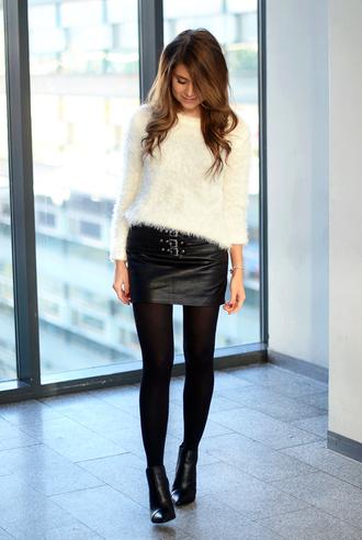mariannan sweater skirt shoes