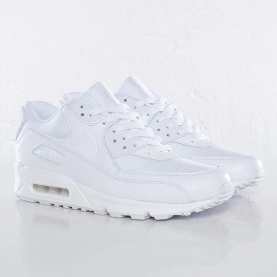 Nike - Air Max 90 Essential - 537384-111 - Sneakersnstuff, sneakers & streetwear online since 1999