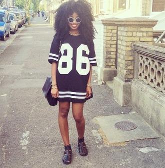 dress black dress urban bag 86 white black shoes black wedges stripes glasses stained glasses curly hair city