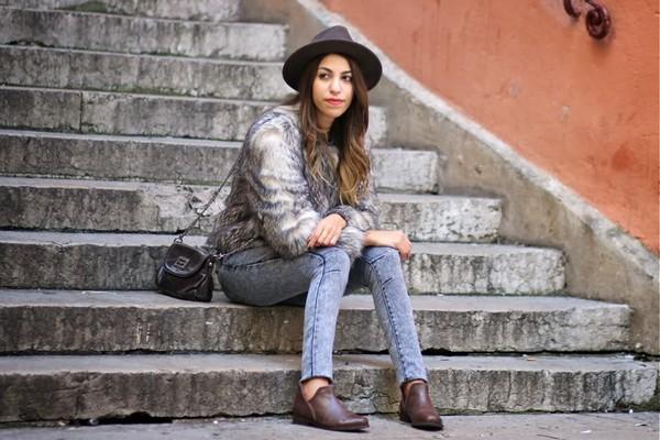 fadela mecheri hat jacket t-shirt jeans shoes bag jewels