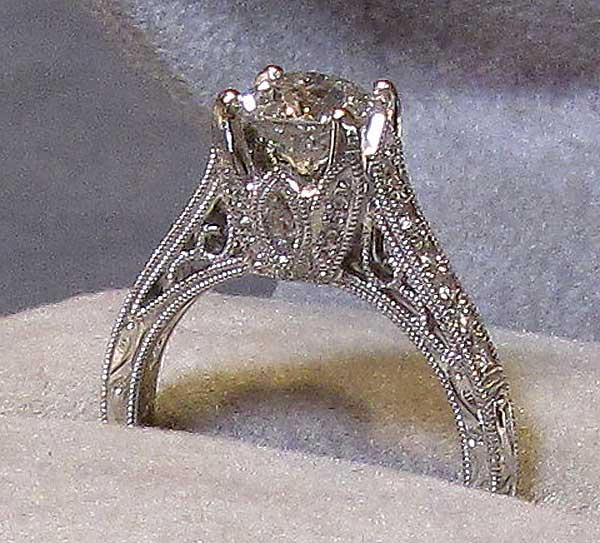 18K White Gold Vintage-Detail Diamond Ring [#9651] - $6,800.00 : Viau Estate Jewelry