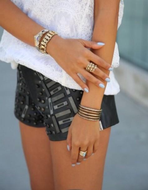 shorts nail polish jewels t-shirt style