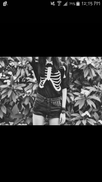 shirt black and white skeleton shorts