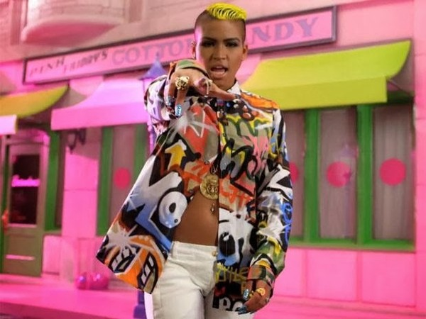 shirt cassie ventura graffiti multicolor
