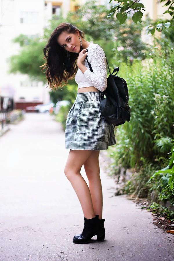 leona meliskova top skirt shoes