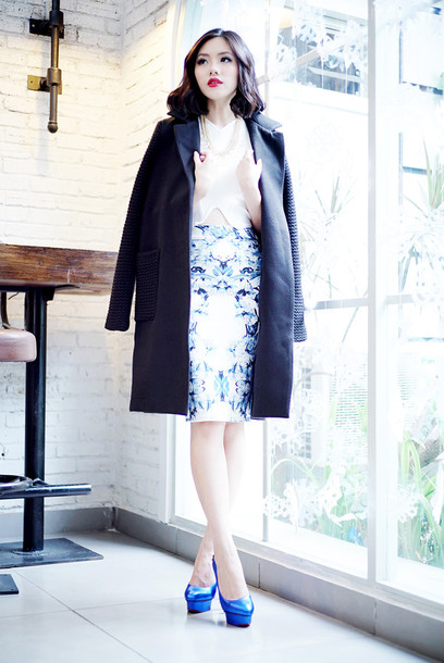 olivia lazuardy blogger coat pumps pattern pencil skirt classy office outfits charlotte olympia