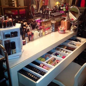 jewels makeup table bag swimwear make-up