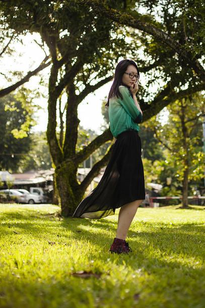 pupuren blogger blouse green black skirt skirt shoes