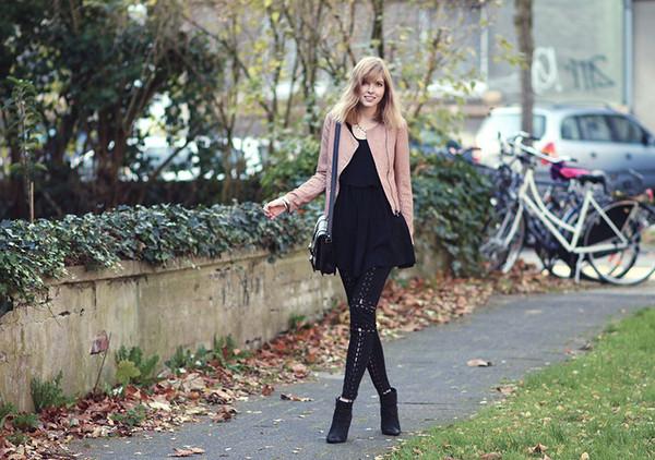 bekleidet dress pants shoes bag jacket