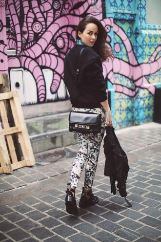 style scrapbook jeans shoes t-shirt jacket bag