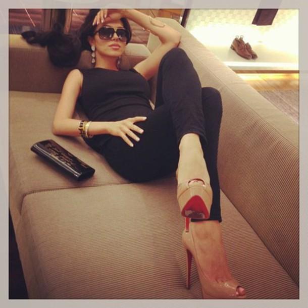 shoes nude black sunglasses classy pretty gold louboutin