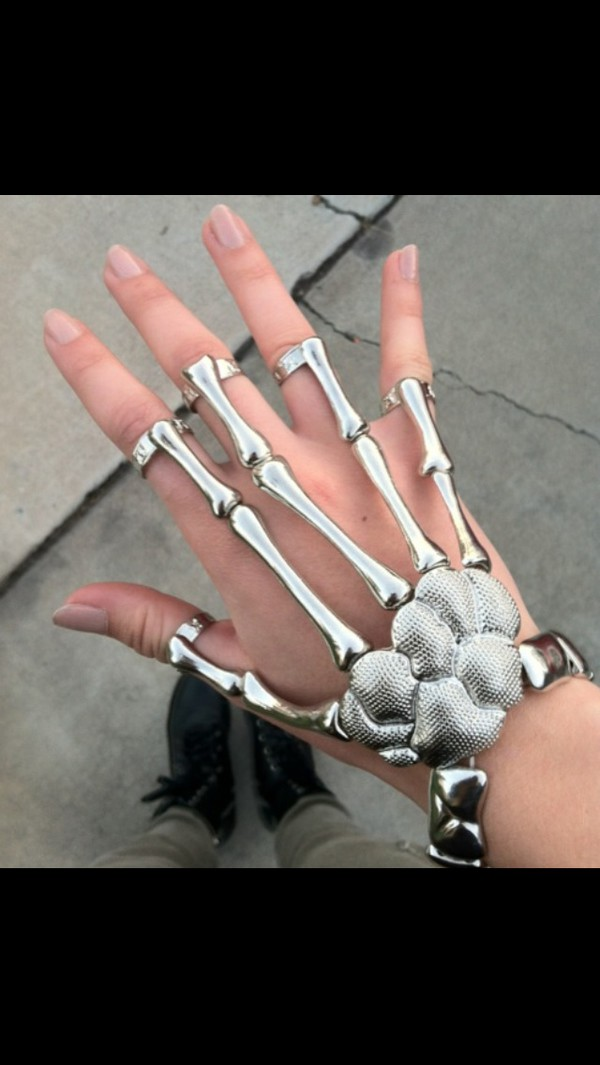 jewels skeleton bones grunge pale accessories ring bracelets hair accessory jewelry skull ring