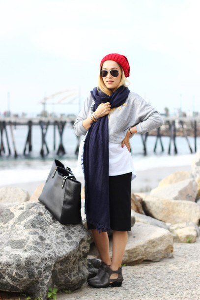 love joo kim blogger hat knitted beanie maternity black skirt cut out ankle boots sunglasses scarf top dress shoes bag jewels