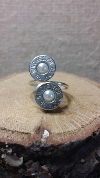jewels bullet pearl ring