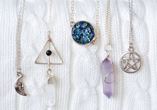 jewels cute necklace jewelry necklace stone hipster goth hipster satan harry potter harry potter and the deathly hallows neaklace gold silver metal moon stars