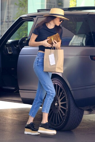jeans top boyfriend jeans kendall jenner shoes hat sunglasses spring outfits oxfords