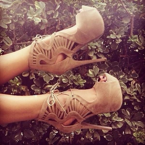 shoes brown nude nude shoes nude heels heels party cute grirl brown shoes brown heels nude high heels high heels