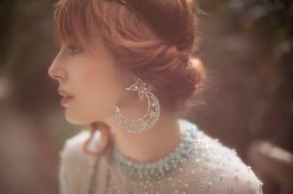 jewels earrings diamonds moon stars glitter party christmas h&m miss pandora pandora hipster wedding dress