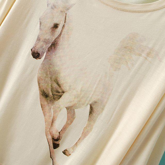 Beige Batwing Sleeve Horse Print Dipped Hem T-Shirt - abaday.com