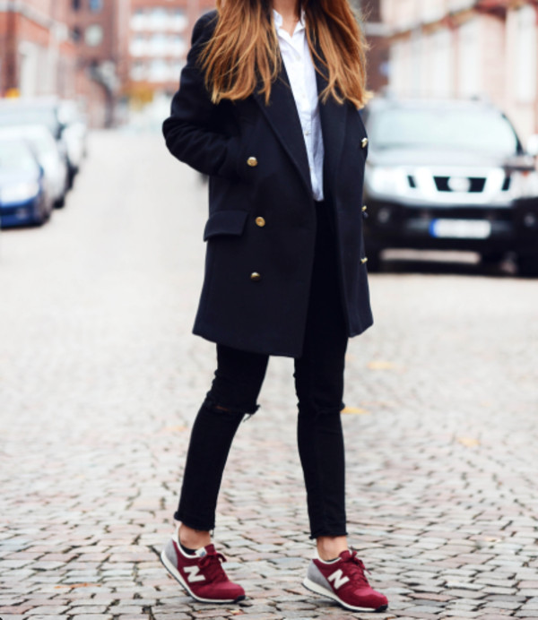 shoes white grey nikes marron sneakers nike sneakers