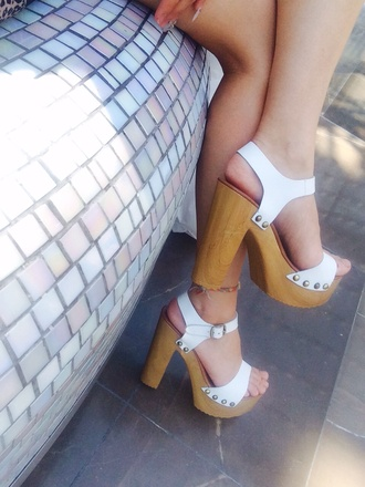 shoes white high heels chunky heels wooden wedges wooden heel wooden platforms windsor smith white platform shoes platform high heels high heels sandals white sandal heels white sandals wooden shoes ankle strap shoes wooden ankle strap heels ankle strap wooden heels cute platforms platform heels white platforms studded sandals high heel sandals cute sandals sandles