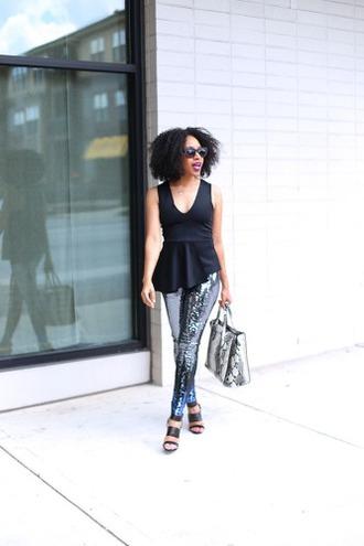 mattieologie blogger printed leggings peplum top python bag