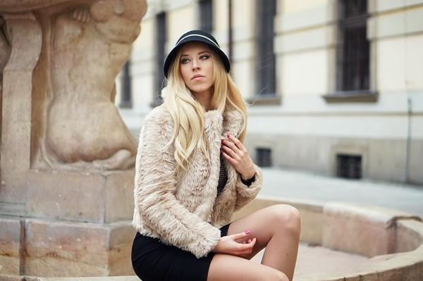 meri wild sweater dress bag shoes hat