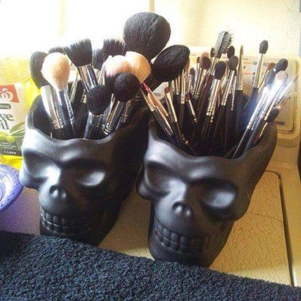 make-up cool home decor makeup brushes top bag tête de mort skull black jewels skull