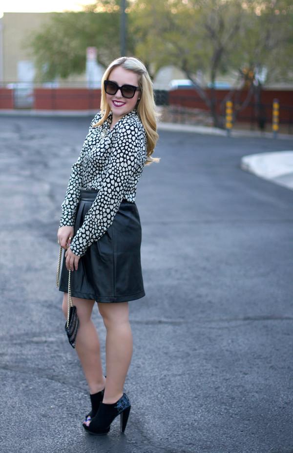 a beautiful heart skirt t-shirt shoes jewels sunglasses bag