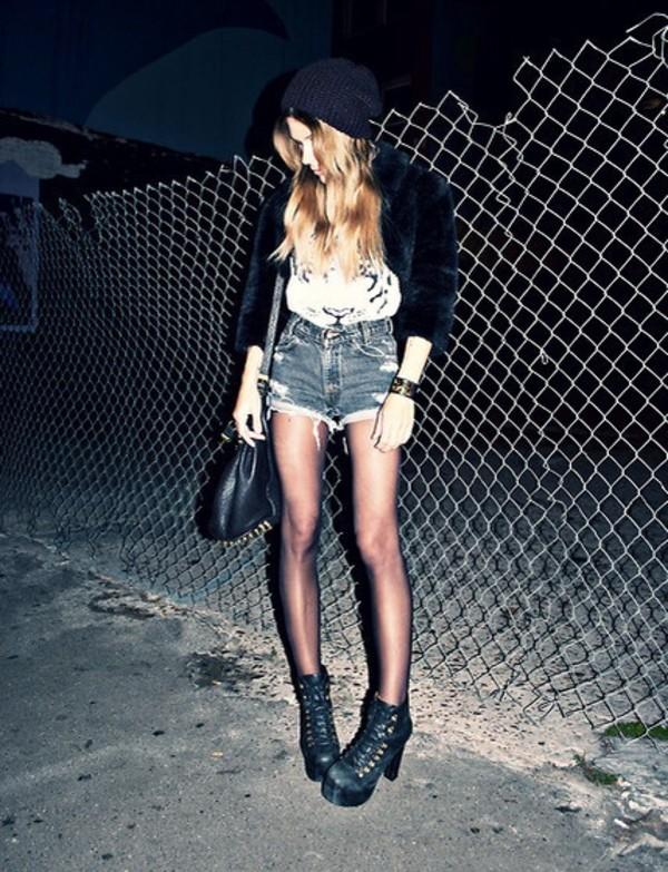 shoes grunge t-shirt shorts tumblr hipster indie shirt