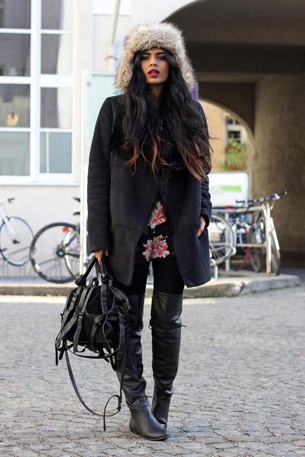 she wears fashion shorts hat shoes bag