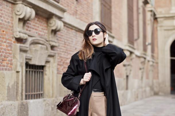 onto my wardrobe blogger bag black coat burgundy