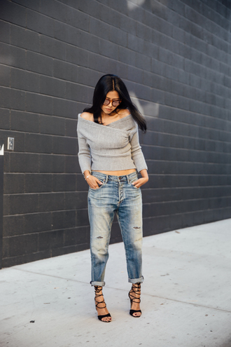 walk in wonderland blogger sexy sweater grey sweater off the shoulder sweater ripped jeans strappy sandals