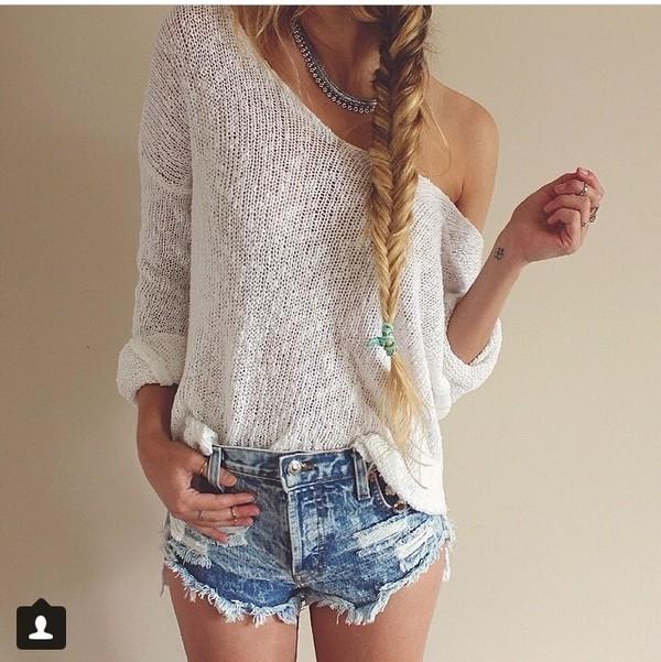 sweater shorts jewels shirt