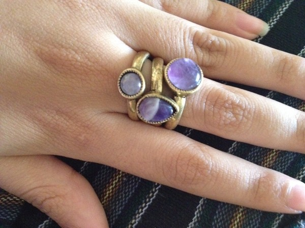 jewels ring knuckle ring purple jewerly chain hand body cute hippie hipster indie boho cool tank top crop tops dress swimwear skirt shorts fashion indie rock boho chic cute dress style