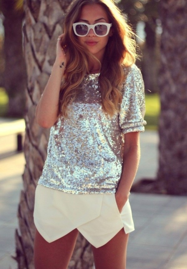 shorts white classy shorts shirt sweater skirt-shorts shorts-skirt silver white diamants brillant summer outfits sun sequins blouse t-shirt