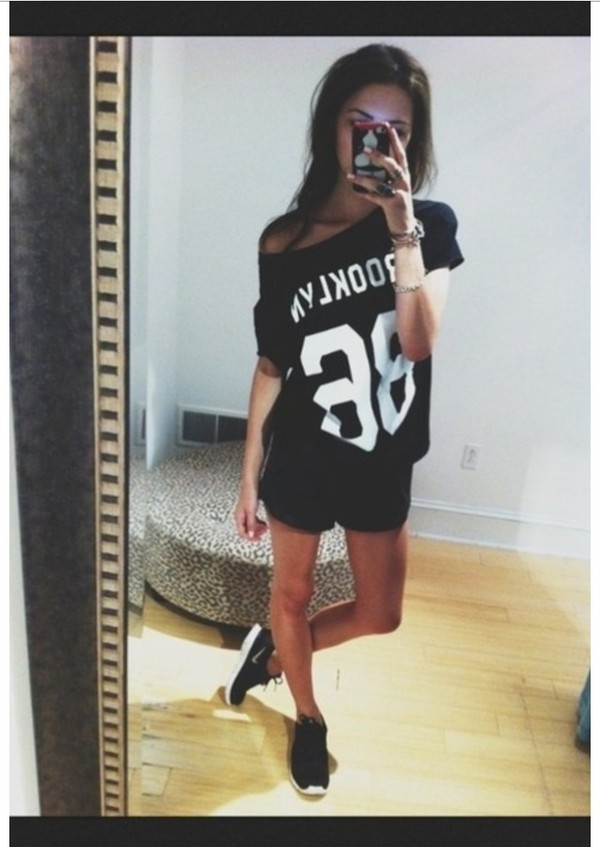 shoes black white nike shirt brooklyn t-shirt