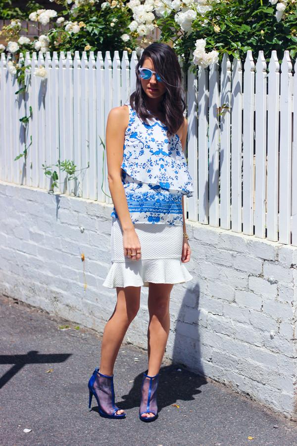 vintage soul t-shirt skirt sunglasses shoes