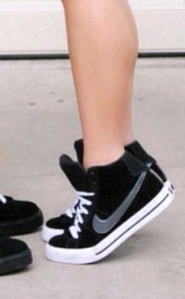 shoes black black shoes grey nike nike shoes nike sneakers sneakers converse nikes ladies nikes all star nike women nike womens shoes noir blanc gris women shoes black and white high top sneakers girl shoes nike sweet clasic high top sneakers black sneakers