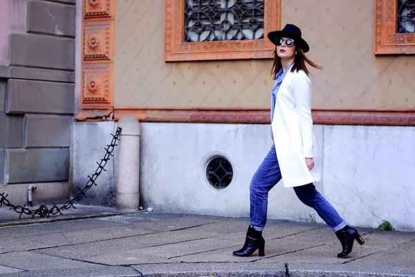 onto my wardrobe jacket shirt jeans shoes bag sunglasses