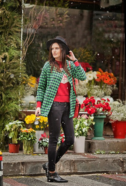 the bow-tie blogger hat houndstooth green jacket red sweater black jeans