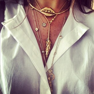 jewels necklace gold lips ysl lipstick nude beige nude make-up
