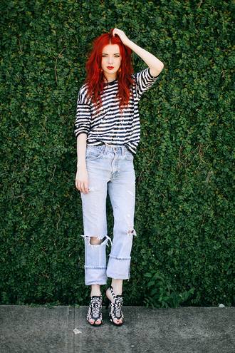 sea of shoes blogger striped sweater sandals acid wash jeans ripped jeans sequin shirt stripes striped top blue jeans