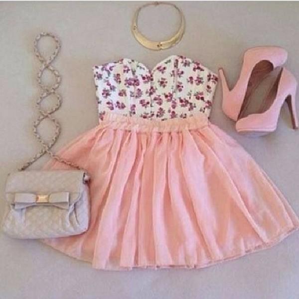 skirt pink skirt floral floral bralette floral crop top crop tops pretty summer heels pink heels baby pink heels bag tank top shoes