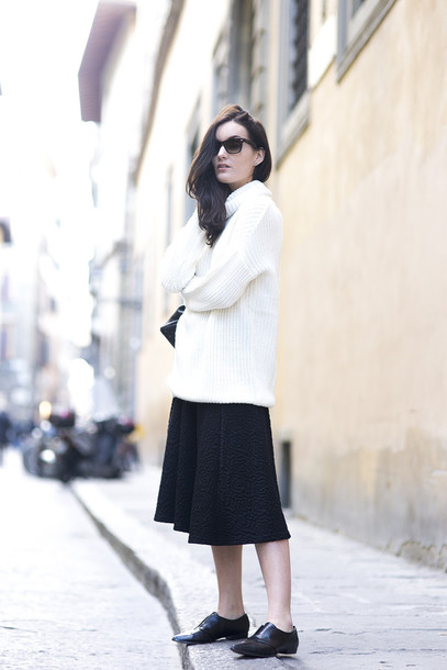 anouska proetta brandon blogger culottes oversized sweater white sweater sweater skirt shoes bag sunglasses
