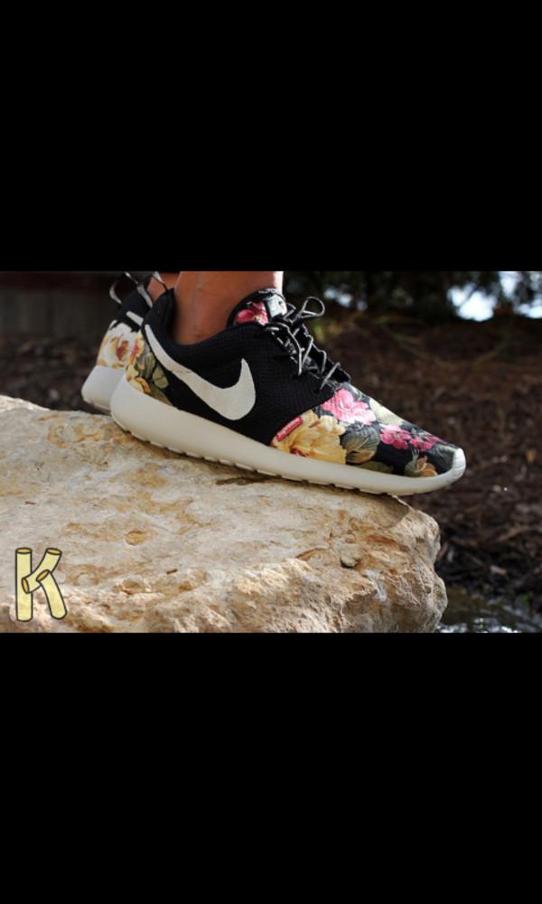 shoes roshes floral nike