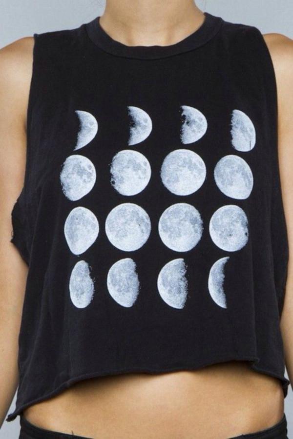 t-shirt moon beautiful black tumblr tshirt tumblr t-shirt tumblr clothes