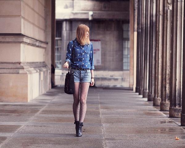 bekleidet blouse shorts shoes bag