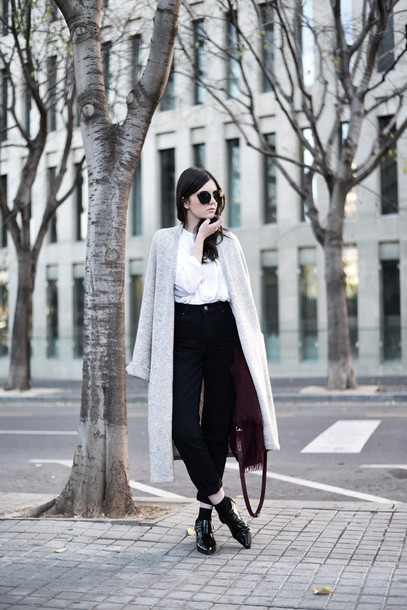 views by laura blogger cardigan classy preppy high waisted pants black pants